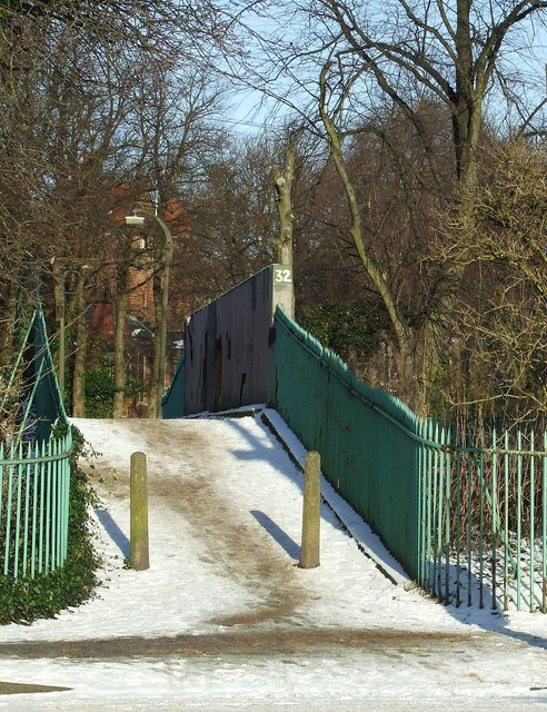 Footbridge near Maxwell Park