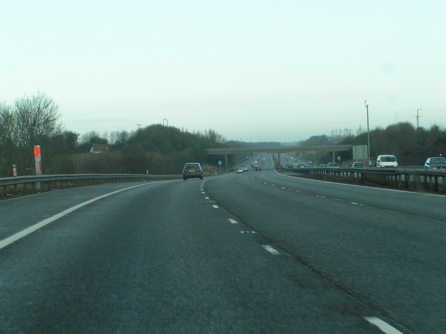 M5 northbound about to go under the A371