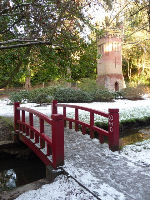 Bournemouth Gardens: red bridge and water tower