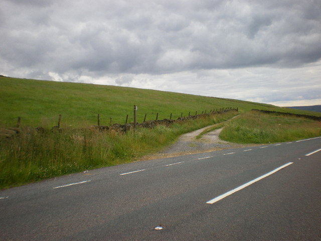 Road off the A6033 to Spinks Hill