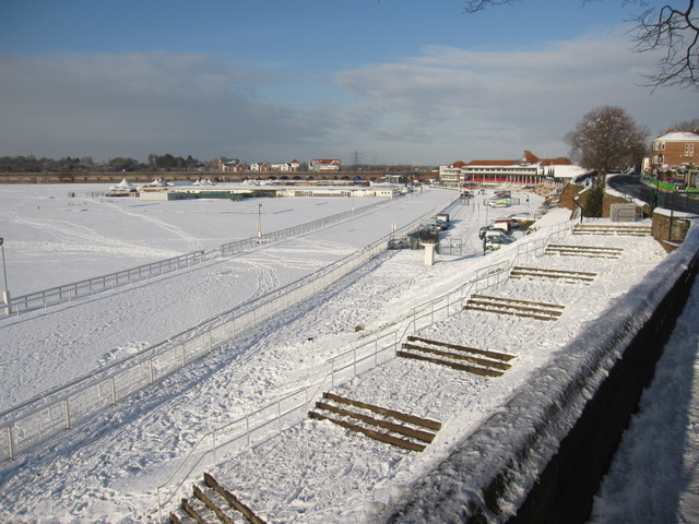 The snowy finishing straight of Chester Racecourse