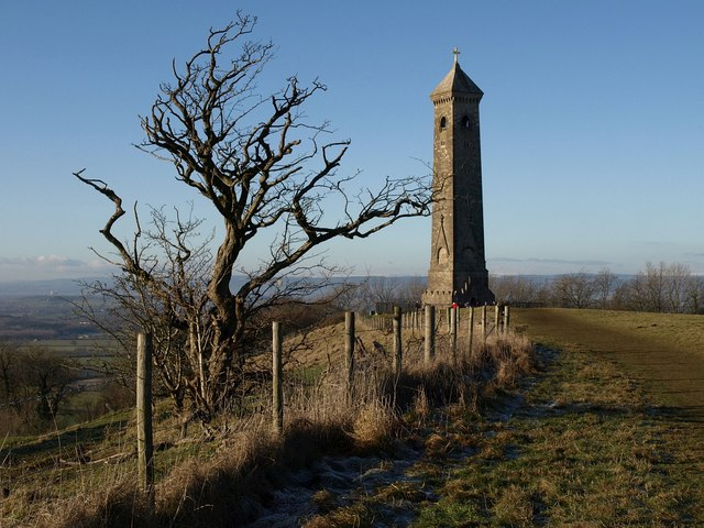 Cotswold Way approaching Tyndale Monument