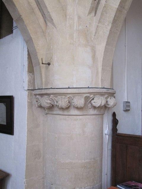 Detail on the pillar