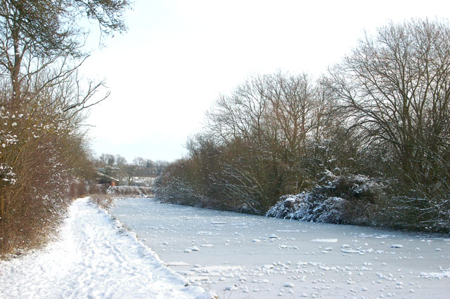 Snow and ice on the Grand Union Canal above Welsh Road lock
