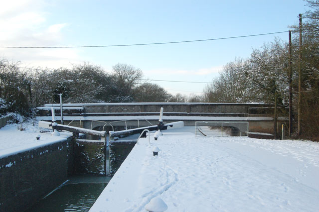 Welsh Road lock and bridge in the snow