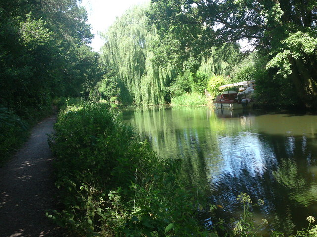 Basingstoke Canal Tow Path