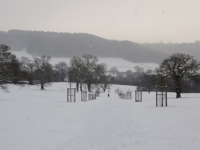 Path to Beeley (in the snow)