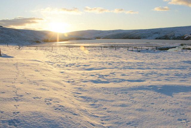 Sunshine and snow, Burrafirth