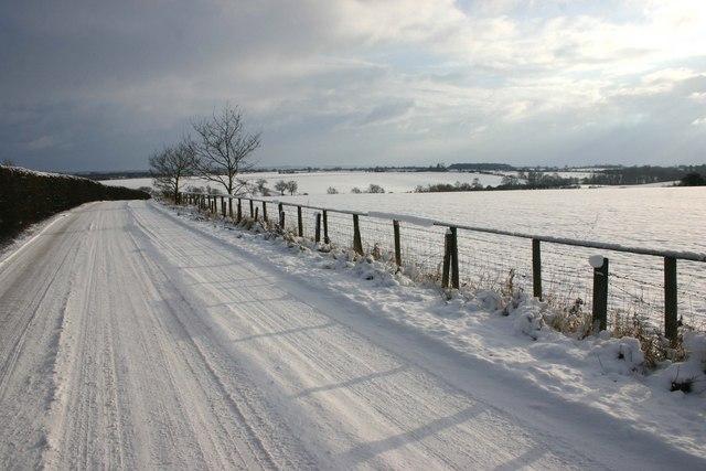Moreton Paddox to Kineton lane in the snow