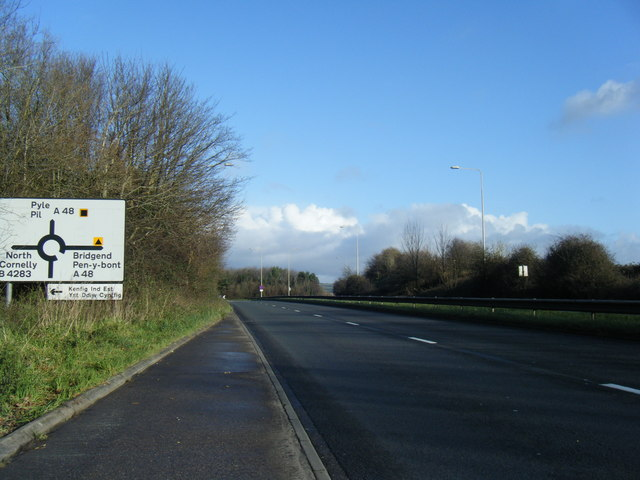 A4229 approaching A48 roundabout at Pyle.