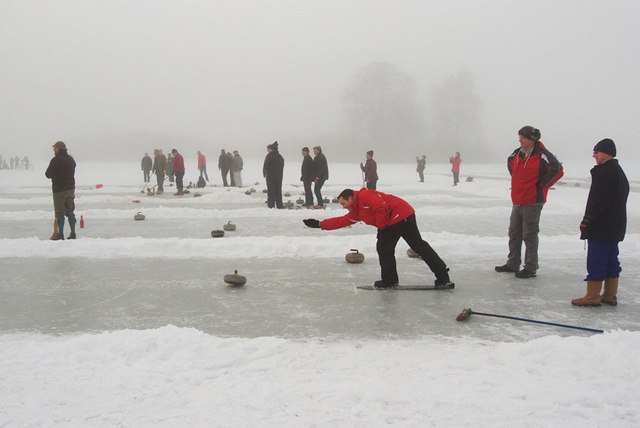 Curling on Stormont Loch
