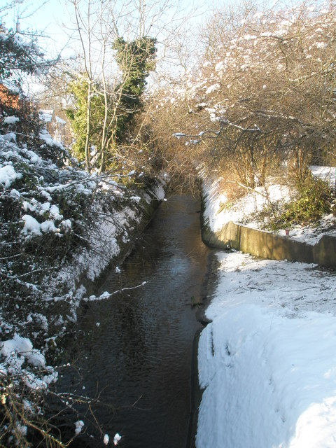 Hermitage Stream flowing north under Park House Farm Way