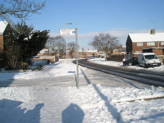 Junction of Yateley Close and Middle Park Way