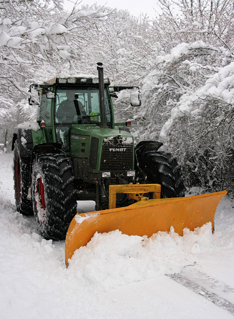 Tractor-cum-snowplough, Four Lanes End