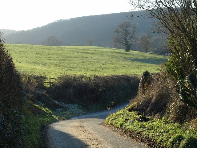 Lane down Waterley Bottom