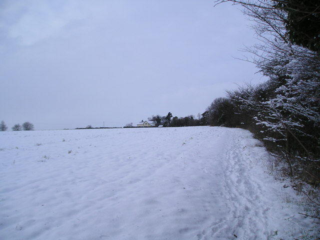 Footpath to Squeech Lane in snow