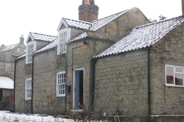 Cottage on approach to Ganthorpe