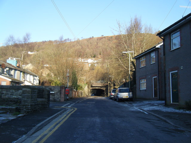 Low bridge, Henwysg Close.