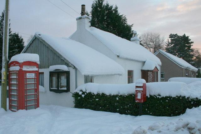 Telephone box and post box at Kellas