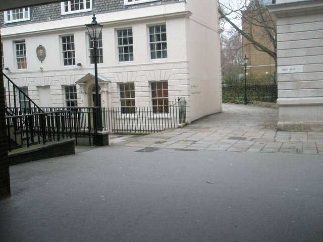 Looking through from Field Court to Gray's Inn Square