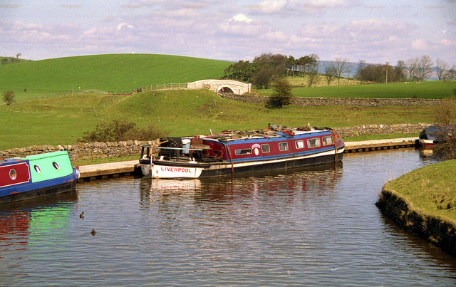 Converted Short Boat at Greenberfield Locks