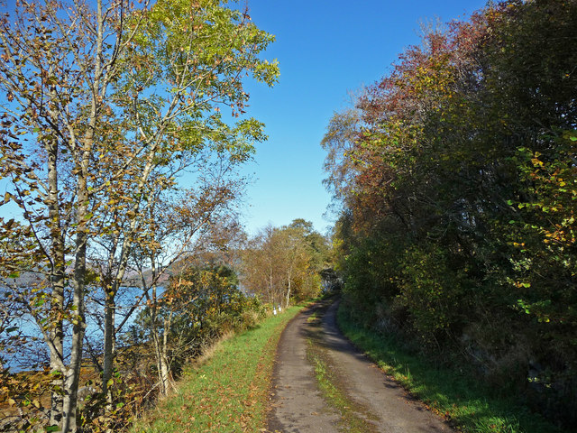 Old road beside Loch Fyne, north of Ardnagowan