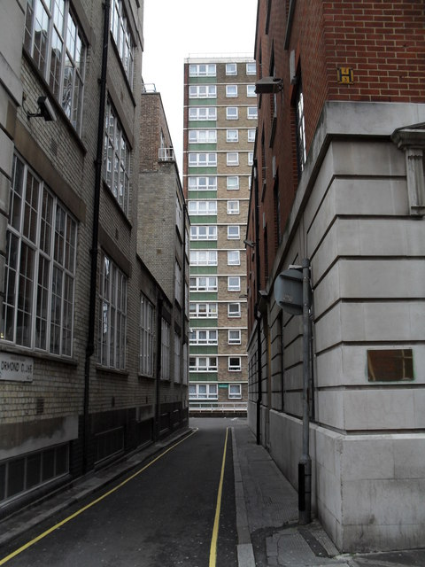 Looking from Boswell Street into Ormond Close