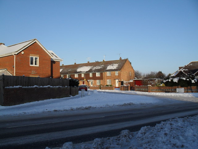 Approaching the junction of Park Lane and a snowy Jessie Road
