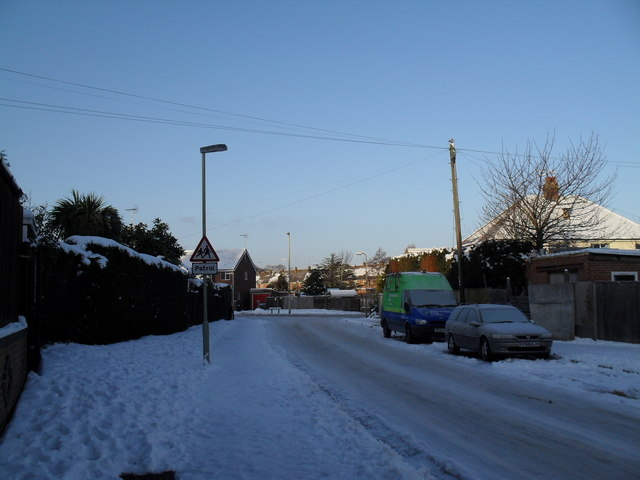 Looking along Hazleholt Drive towards Park Lane