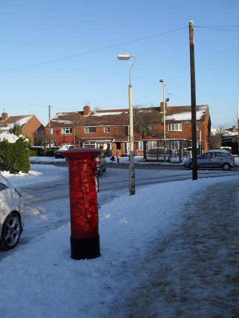 Postbox at the top end of Awbridge Road