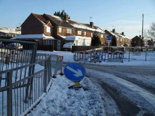 Roadworks complicating the passage from Purbrook Way into Linkenholt Way