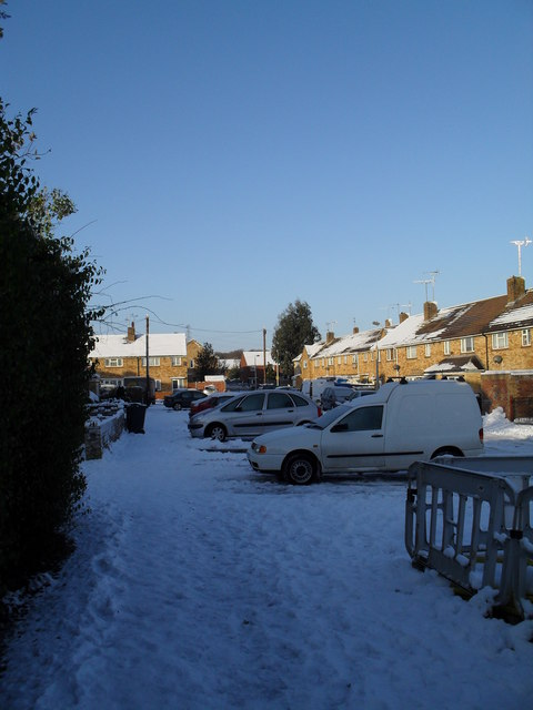 Snow covered homes in Rockbourne CLose