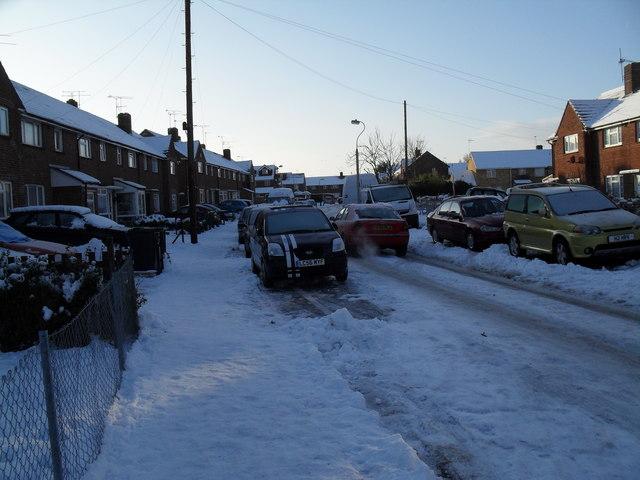 Looking westwards along a snowy Hordle Road