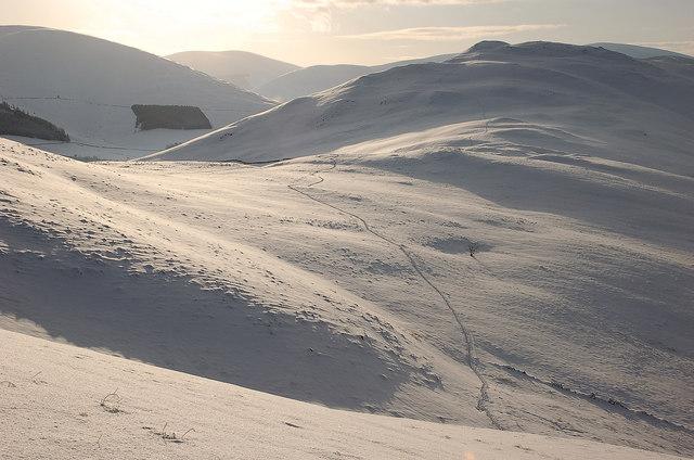 Cademuir col under snow