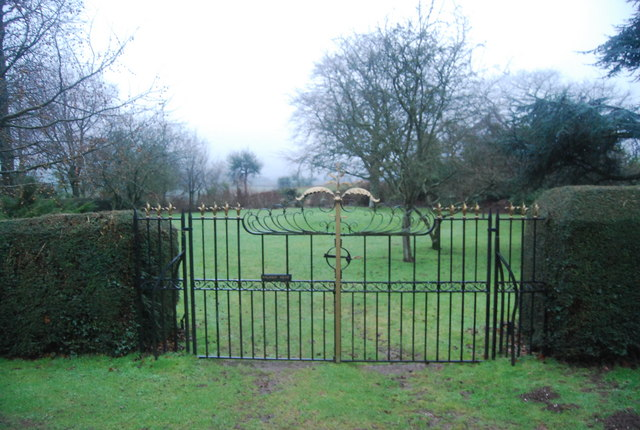 Ornate Gate, Halsway Mews