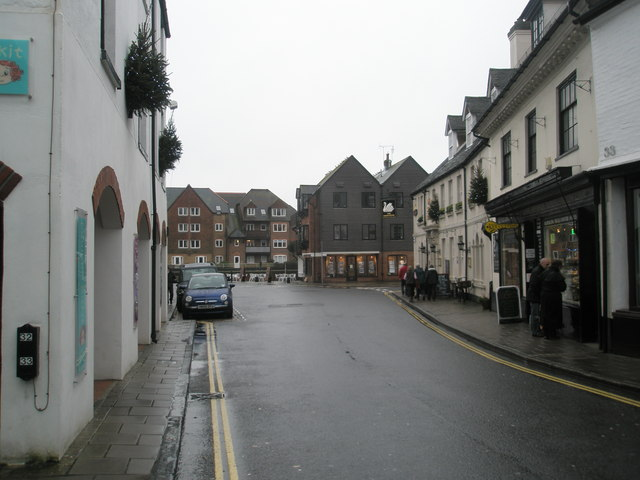 A dull day at the bottom of the High Street