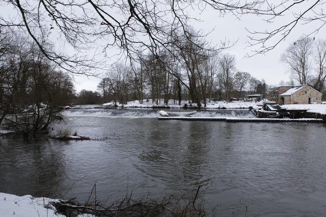 Weir at Howsham on the River Derwent
