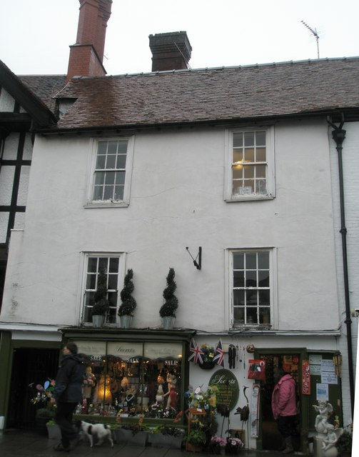 Secrets at the bottom of Arundel High Street