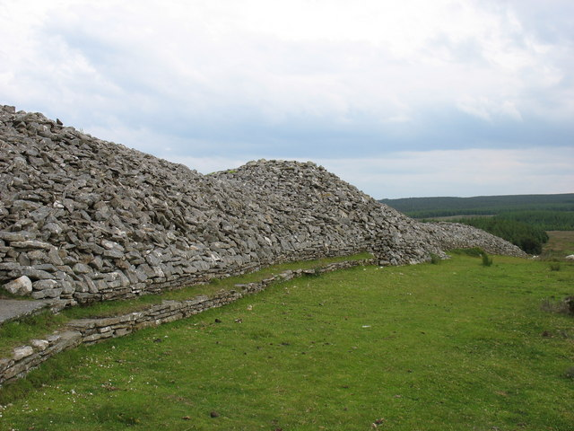 Camster Cairns - the Long Cairn