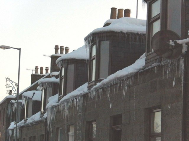 Cold weather icicles