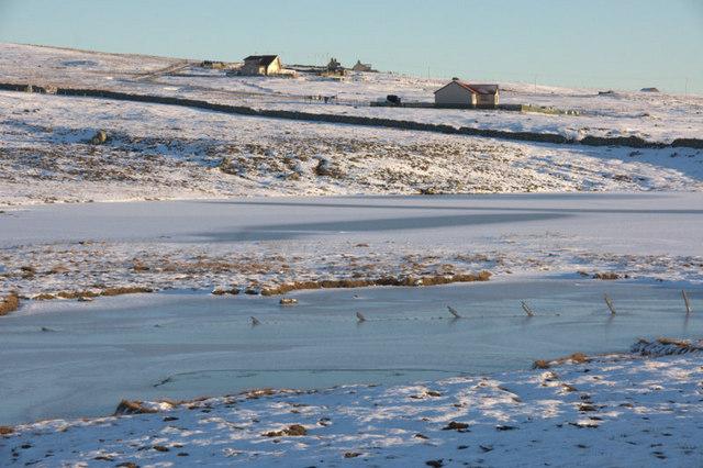 Frozen Dam Loch, Uyeasound