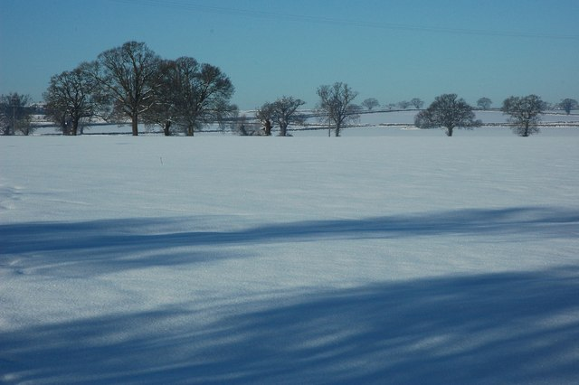 Snow covered farmland at Earl's Croome