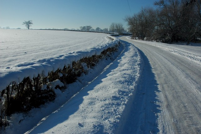 Road to Earl's Croome