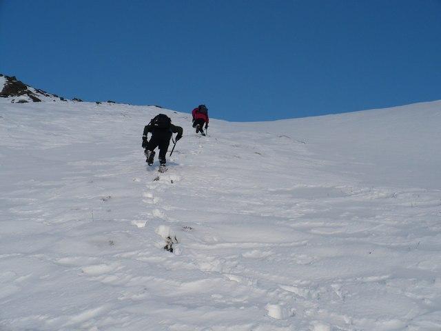Final steep climb to An Ruadh Mheallan summit