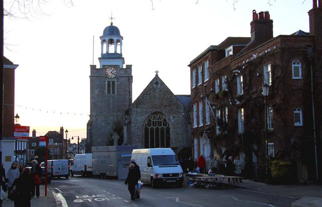 St Thomas the Apostle church in High Street