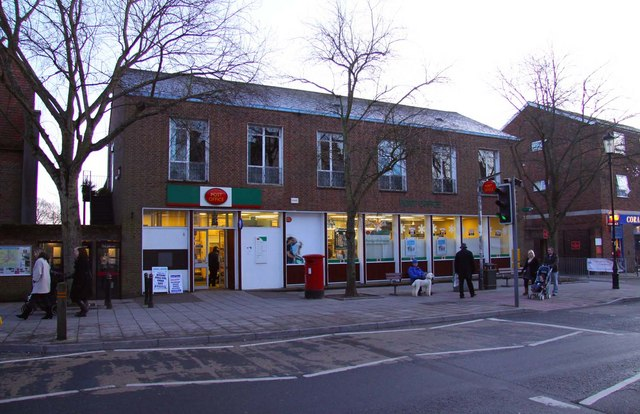 Lymington Post Office