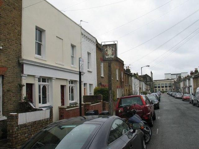 The Builders Arms, Longfield Street, Southfields