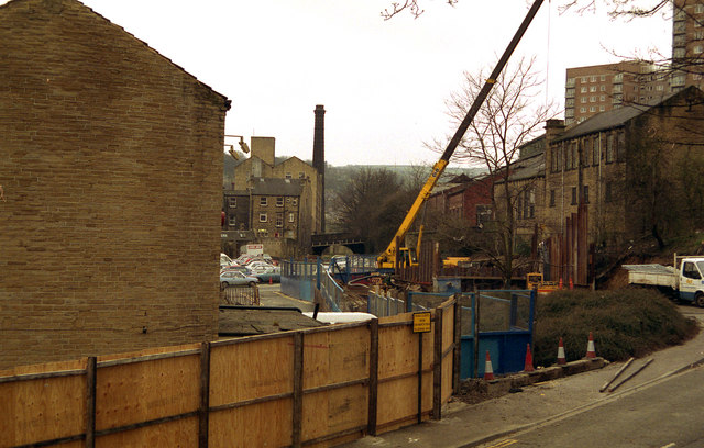 New lock for Rochdale Canal at Sowerby Bridge