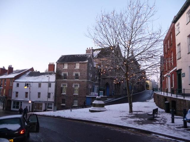 Tiverton : Angel Hill & St Peter's Street