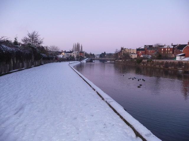 Tiverton : River Exe & Riverside Path